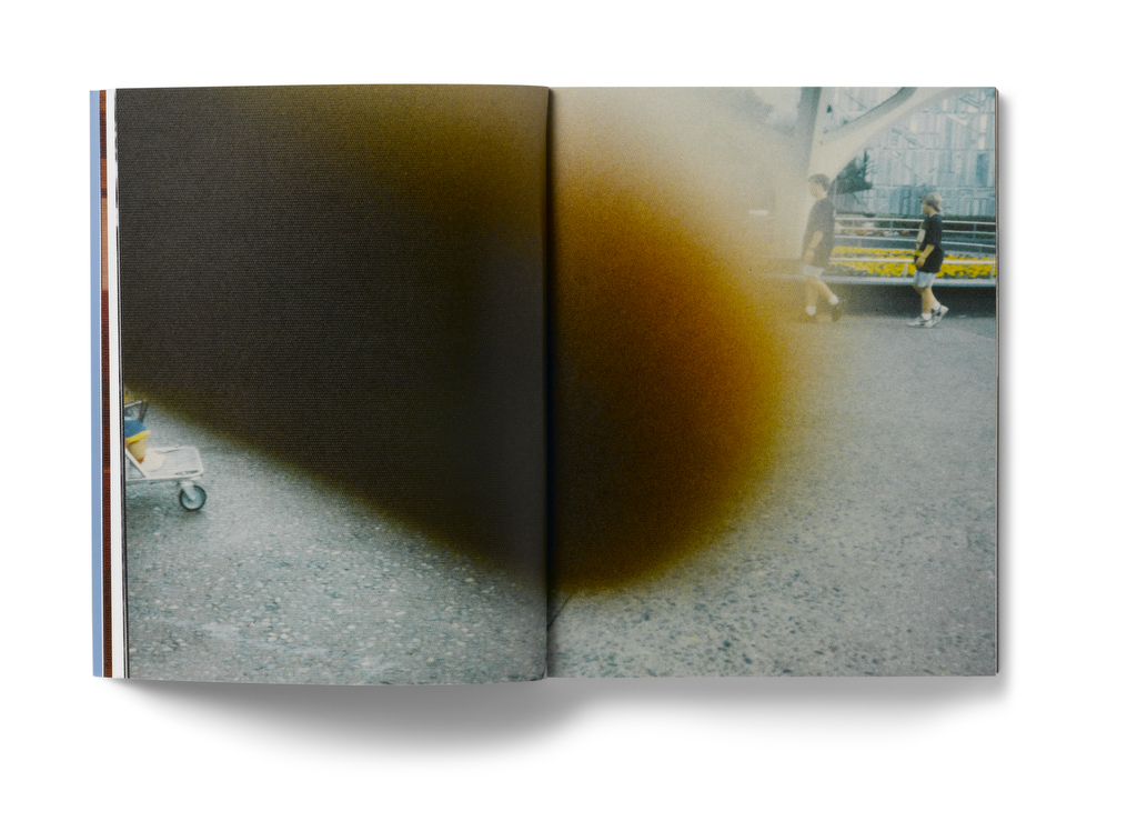 kesselskramerpublishing.com:catalogue:in-almost-every-picture-13:
